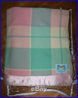 Beautiful PHYSICIAN Plaid PURE VIRGIN LAMBS WOOL Blanket Made in Australia VGC