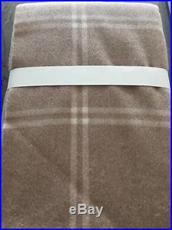 UGG Wool Throw blanket Windowpane in Sugar Pine 50 x 70 New with tags